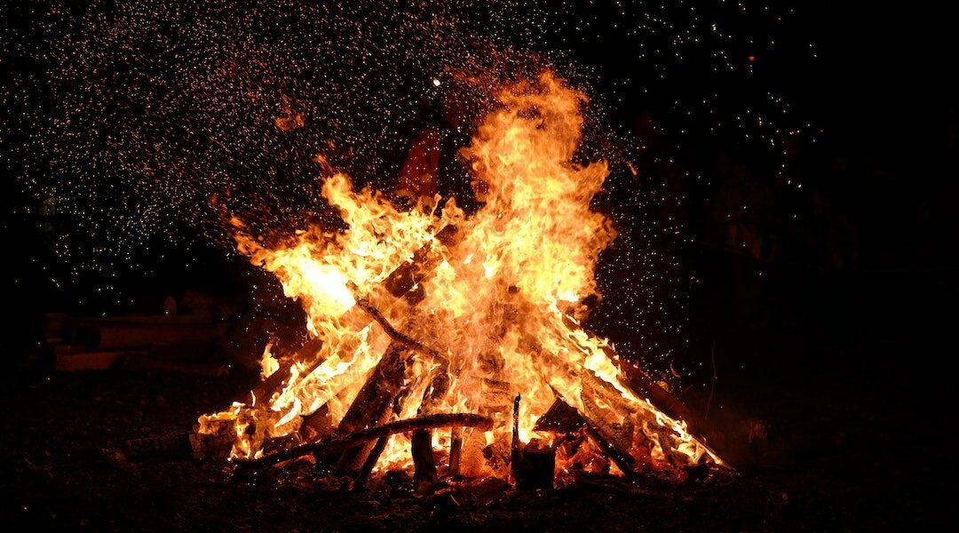 Provincetown-Bonfire-Guide-1080x600